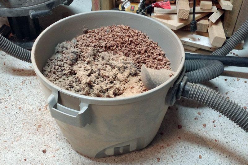 Shop vac dust bin