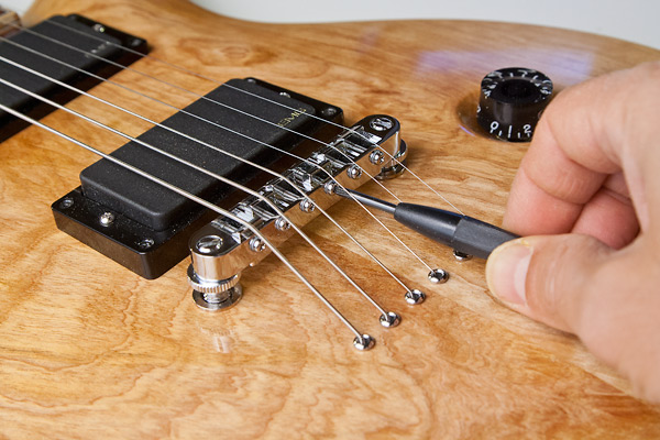 adjust-bridge-saddles-for-intonation