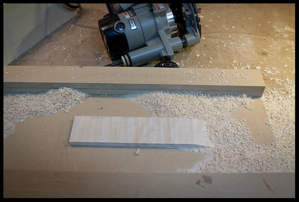 After cutting the scarf joint, I thickess sanded the headstock to proper thickness
