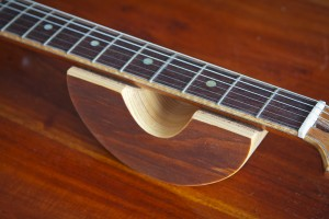 Guitar neck rest