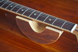 Guitar neck rest