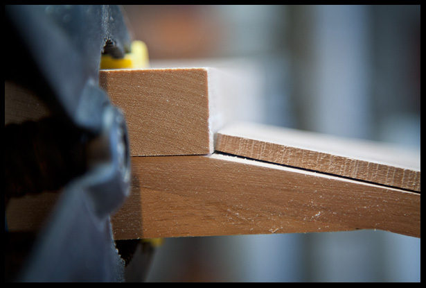 the headstock veneer angle, side view