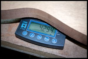 The mahogany body weighs 4.3 lbs