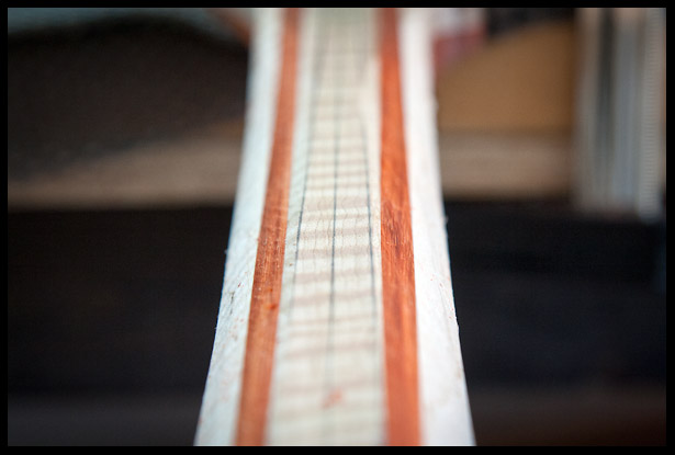Caving the back of the guitar neck