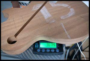The mahogany body weight 3.7lbs
